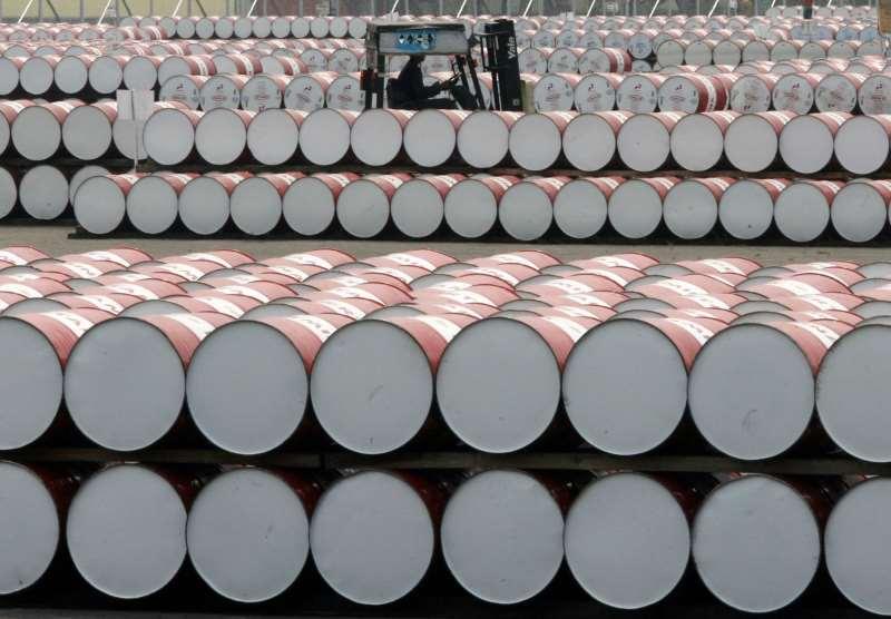 Petróleo do tipo WTI para entrega em setembro fechou em alta de 0,79%, a US$ 54,93 o barril