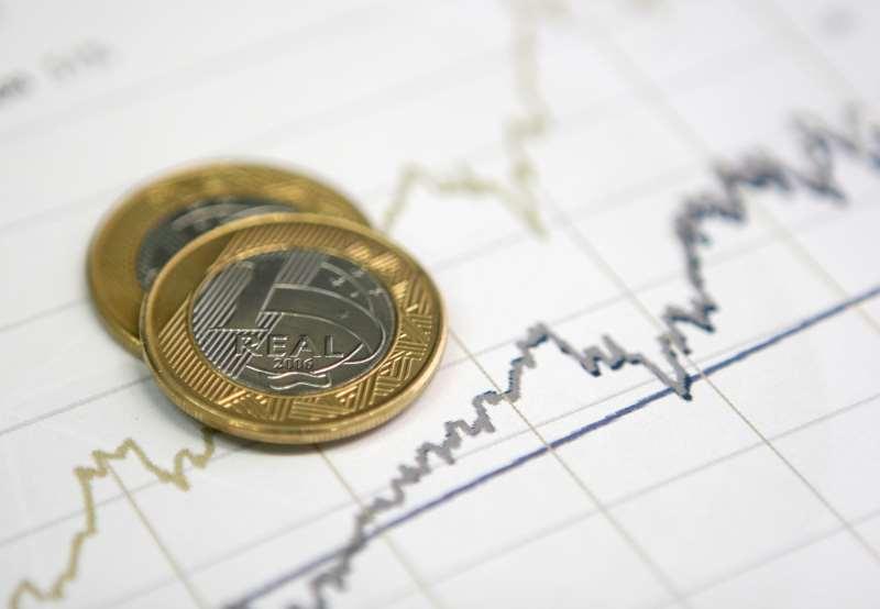 Na comparação entre outubro e setembro, o crescimento foi de 11,89%