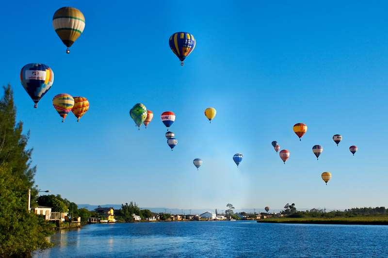O festival é uma competição de balões com diversas modalidades de provas