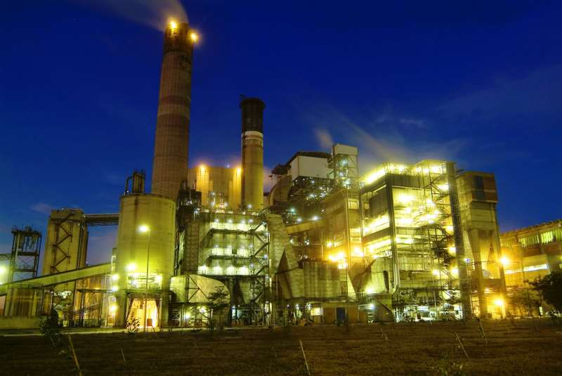 Justiça tem que definir quem deve pagar a conta pelo acionamento das termelétricas, que geram eletricidade a custos mais elevados