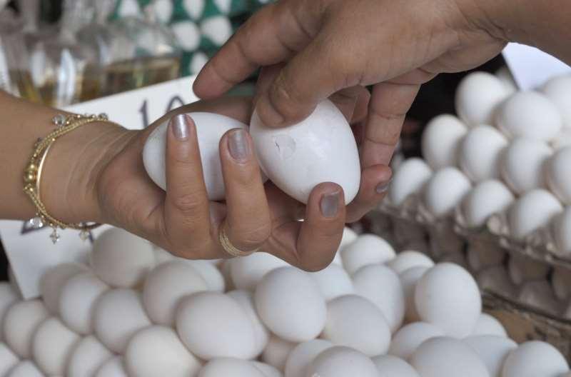 Para nutricionista, produtos que contenham zinco, como ovos, leite e carnes vermelhas, fazem a diferença