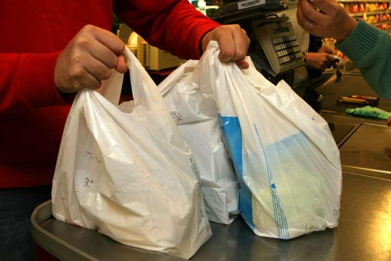 Medida é referente a diferimento parcial indevido em vendas de sacolas plásticas