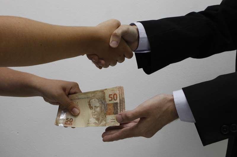 Fundadores e dirigentes de empresas de grande e médio porte continuam na lista dos principais responsáveis por direcionar dinheiro a candidatos