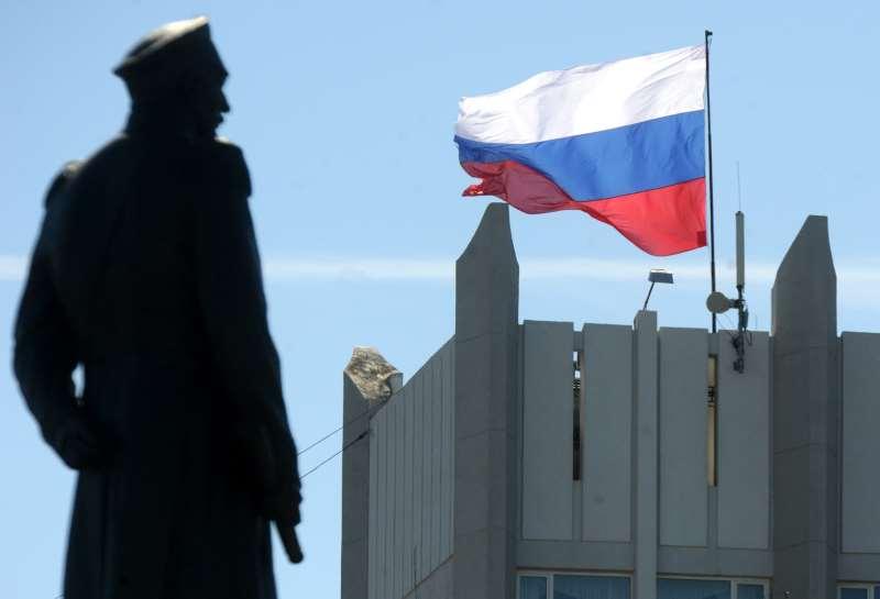 Em março de 2014, tropas russas invadiram regiões da Ucrânia e anexaram a Crimeia