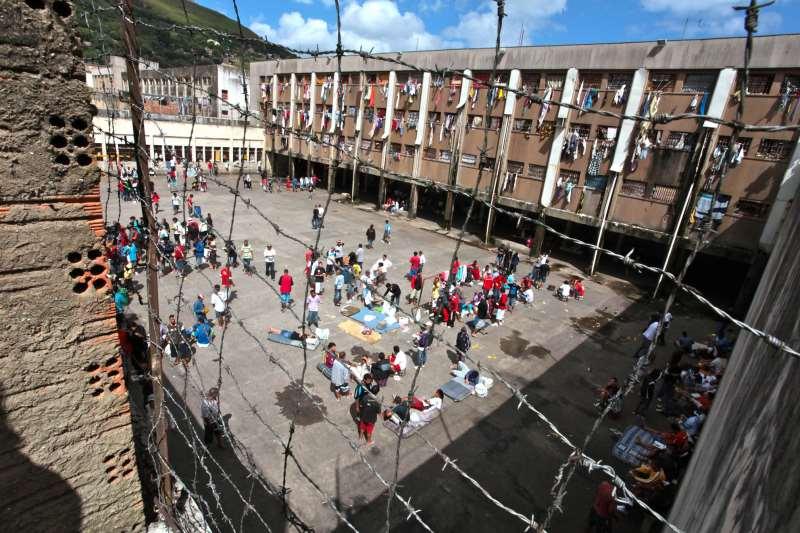 No Rio Grande do Sul, atualmente, pouco mais de três mil detentos estão estudando, de um total de 35 mil pessoas privadas de liberdade