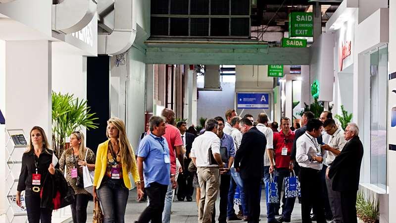 Feira de móveis, uma das principais da América Latina, reúne 246 expositores e espera cerca de 30 mil visitantes