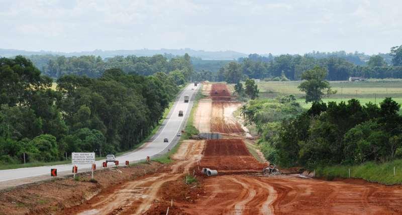 Dividida em nove lotes, obra iniciada em 2012 abrange trecho de 211 quilômetros entre Guaíba e Pelotas