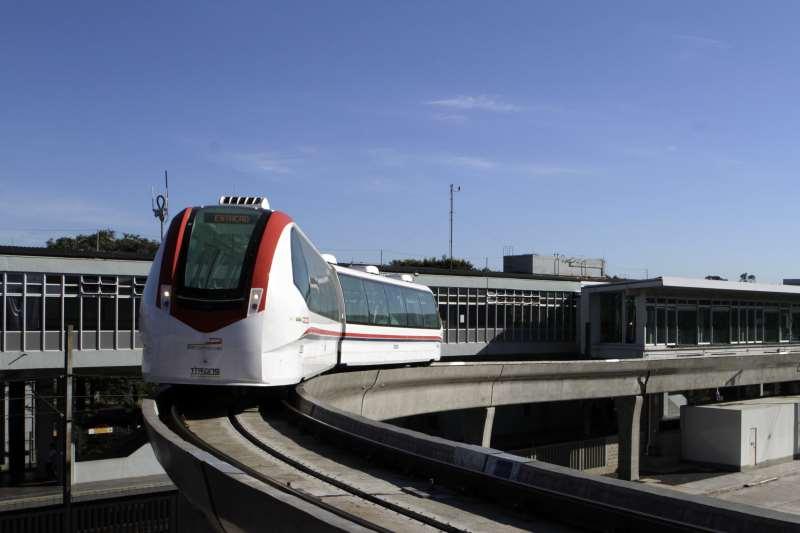 Veículo conecta o Terminal 1 do Aeroporto Internacional Salgado Filho à estação da Trensurb