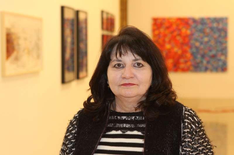 Curadora Ana Zavadil diz que os tempos serão mais difíceis ainda para os independentes