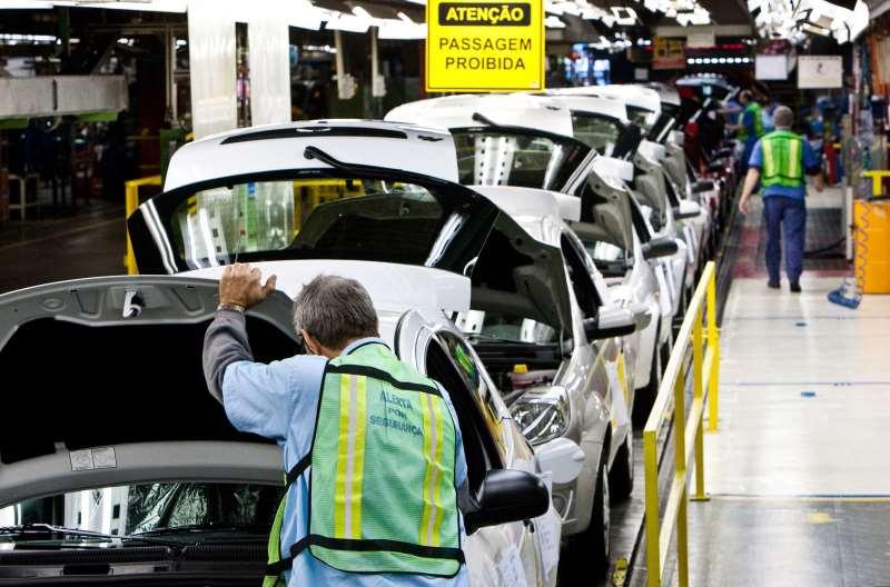 Entre as categorias pesquisadas, a produção de automóveis teve forte impacto favorável