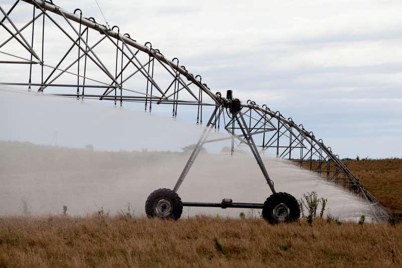Atualmente, menos de 1% da área plantada com soja e milho no Rio Grande do Sul conta com fornecimento artificial de água