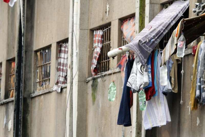 Estado tem mais de 13 mil presos a mais que capacidade total do sistema