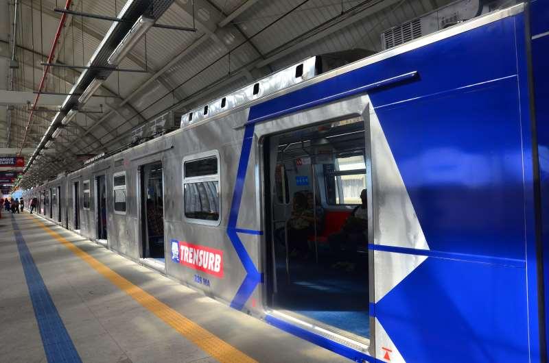 Único sistema de trens a operar na região metropolitana é o Trensurb, que liga Porto Alegre a Novo Hamburgo