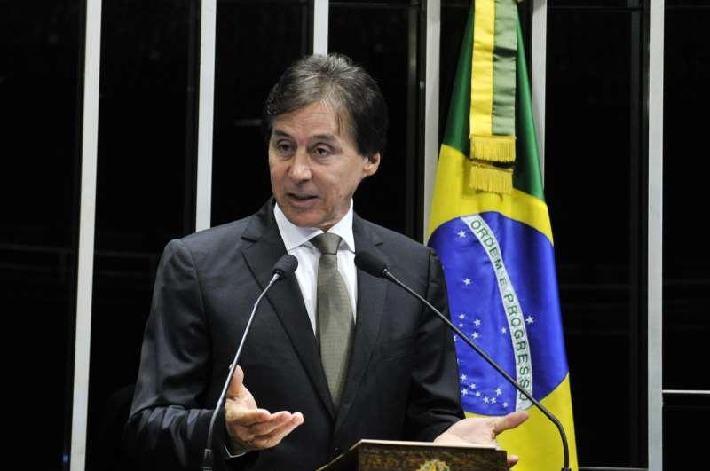 Líder do PMDB, Eunício Oliveira procura garantir chapa de consenso
