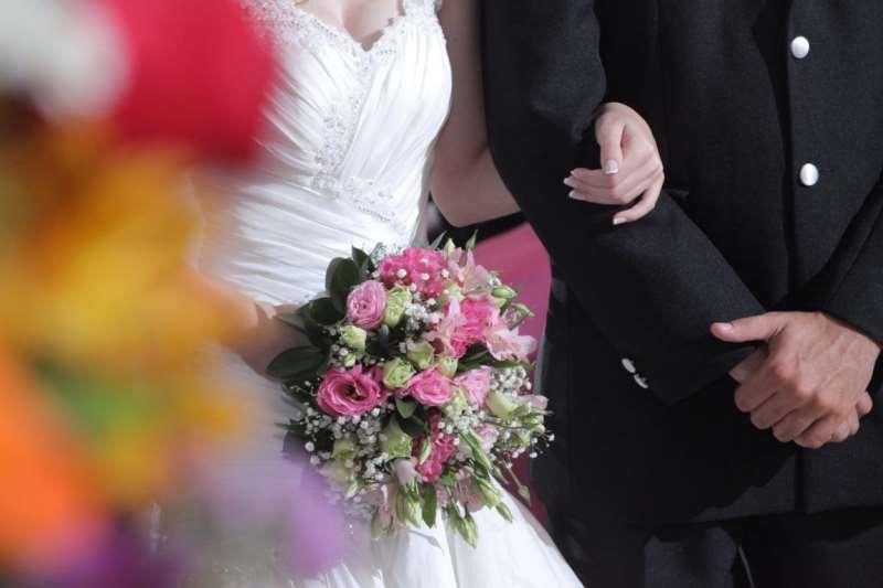 Houve queda de 3,7% no total de casamentos em relação a 2015