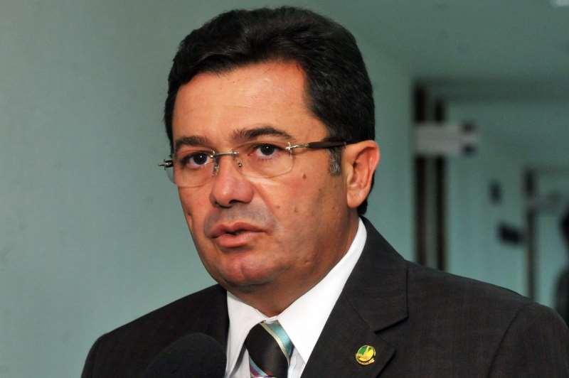 Para manter gastos, receita deve subir 8% acima da inflação, diz Rêgo