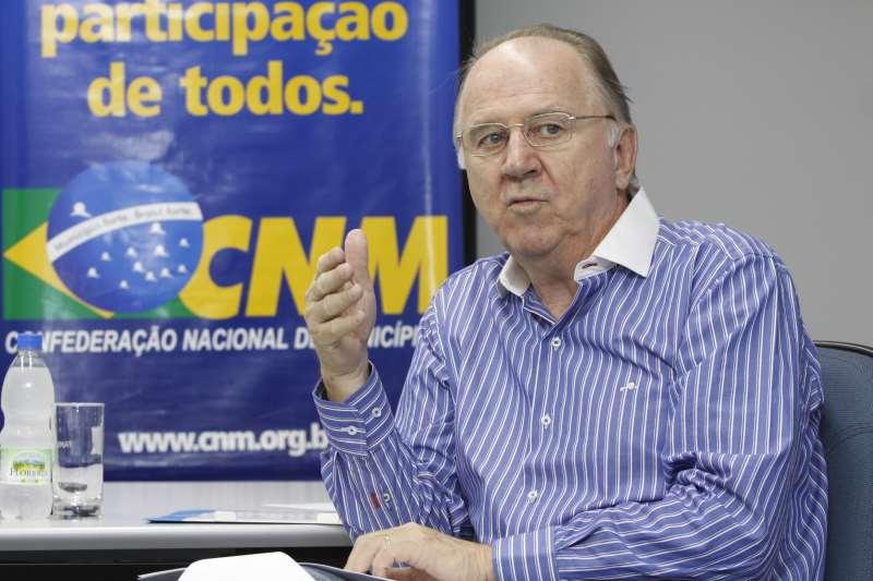 Para presidente da CNM, governo federal não recebe prefeituras