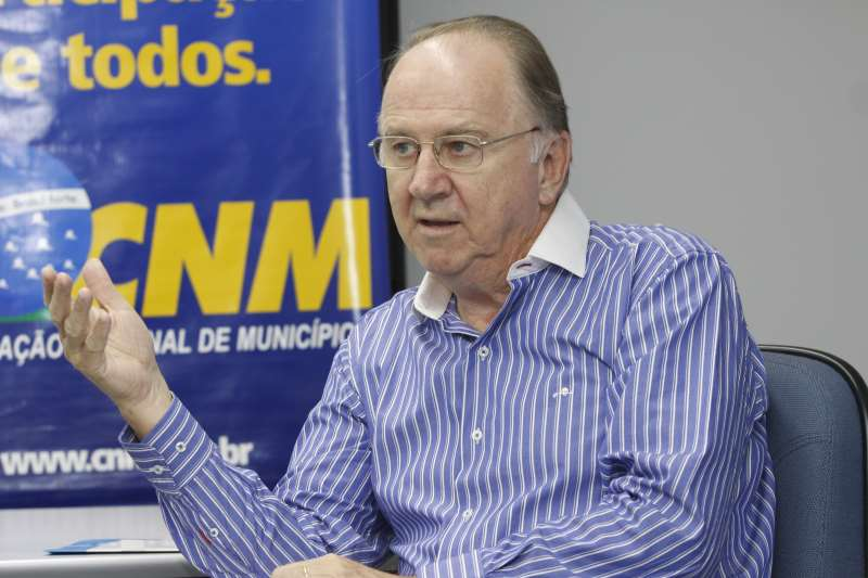 COLETIVA DE IMPRENSA COM O PRESIDENTE DA CNM NA SEDE DA FAMURS  NA FOTO: PAULO ZIULKOSKI, PRESIDENTE DA CNM