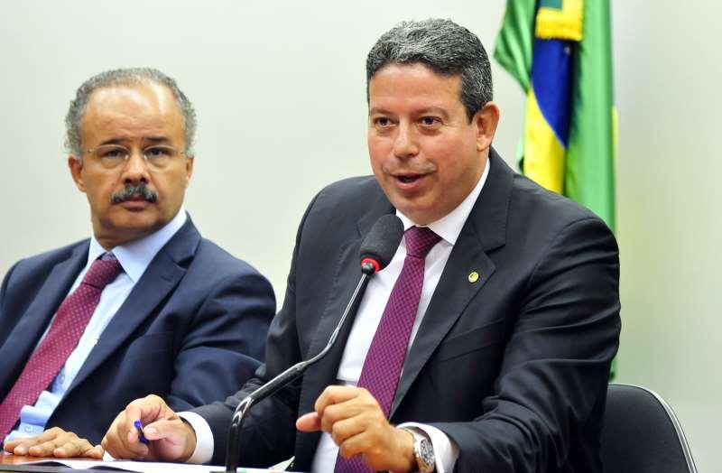 Líder do PP na Câmara, deputado Arthur Lira (AL) diz que não faz sentido deixar PEC para daqui 15 dias