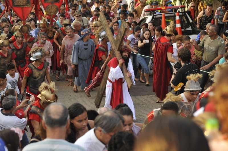 Via Sacra do Morro da Cruz acontece na tarde de sexta-feira