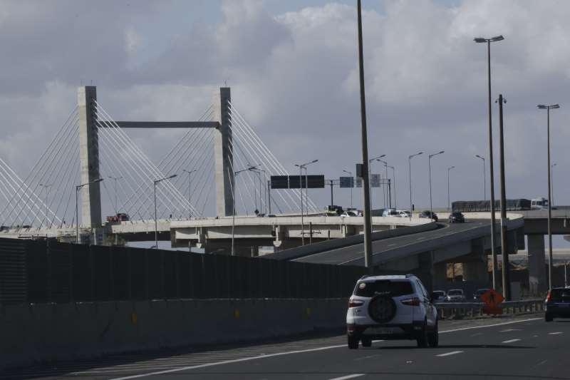 Projetada para desafogar o tráfego na região, BR-448 ainda está distante de seu pleno potencial