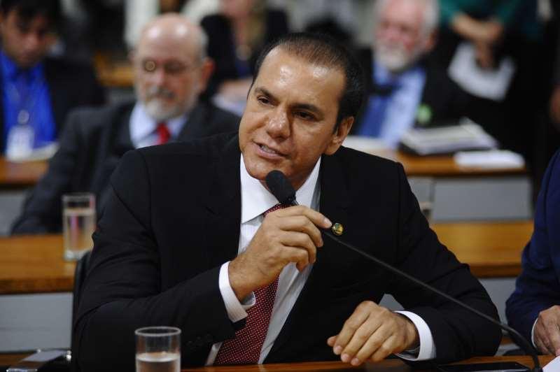 Oliveira aumentou a taxa estimada de crescimento de 2% para 2,5% em 2018