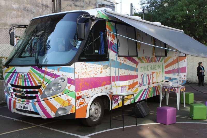 Unidade móvel do projeto Fique Sabendo Jovem estaciona neste domingo na Redenção