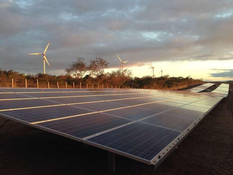 Programa vai estimular a instalação de painéis solares e baterias nas regiões isoladas da Amazônia