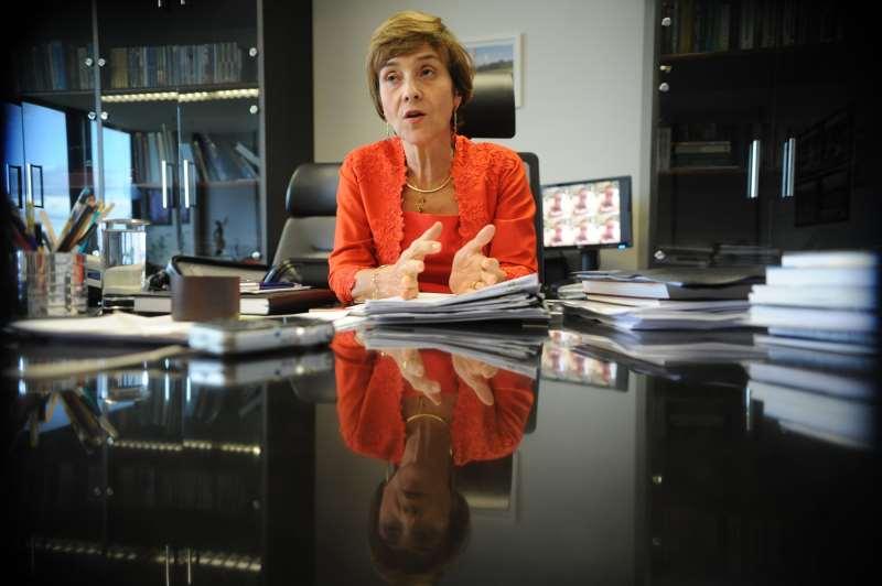 Ministra defende equiparação