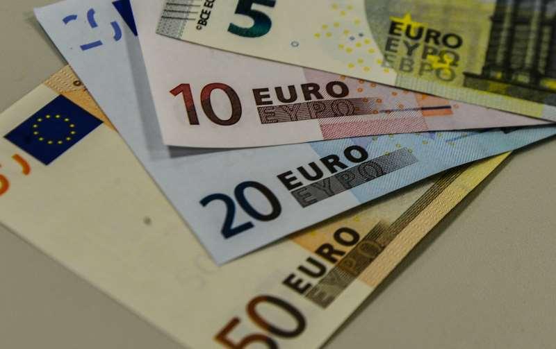 O índice pan-europeu Stoxx-600 encerrou o pregão em alta de 0,33%, aos 407,27 pontos