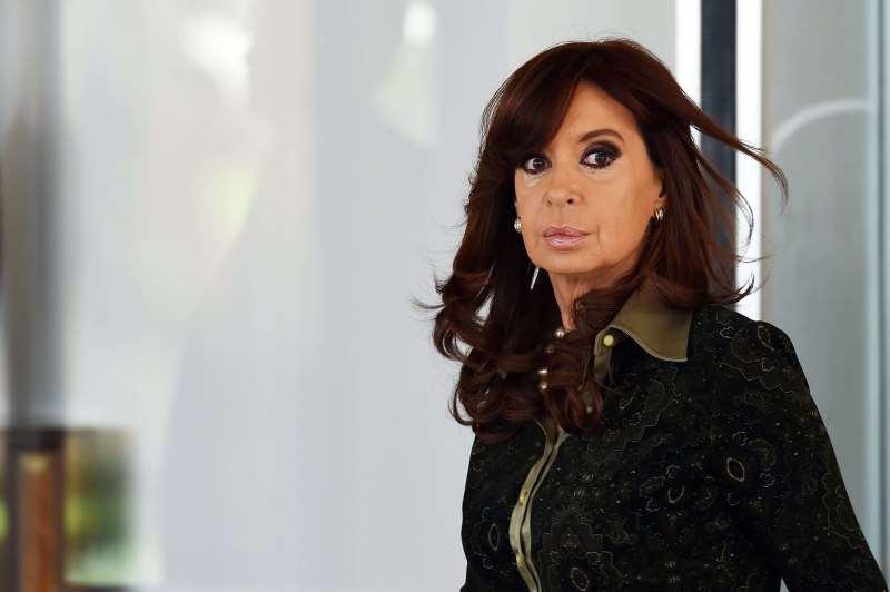 Ex-presidente Cristina Kirchner da Argentina será julgada por corrupção