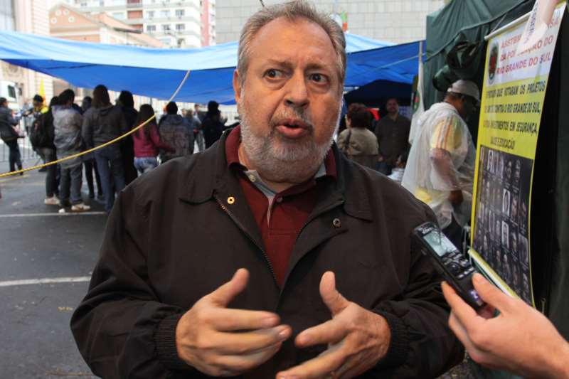 Para Arnoud, Piratini pretende emendar duas folhas salariais para dificultar que próximo governador coloque em dia os vencimentos