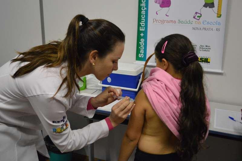 A vacina contra a doença está disponível para meninas de 9 a 14 anos