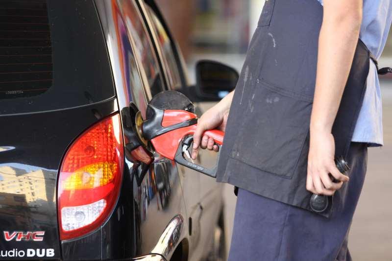 Nova política de revisão de preços tem ajustes quase diários nos preços de combustíveis