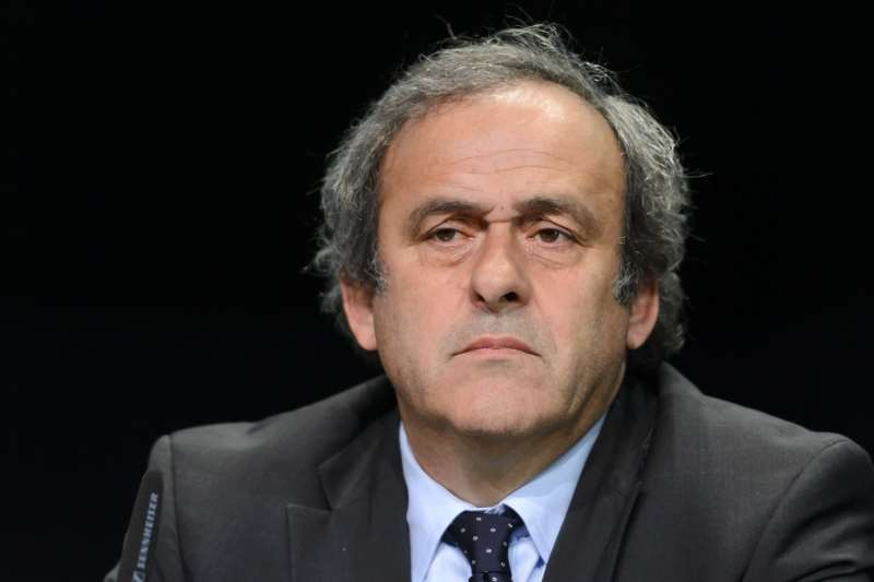 Em 2015, Platini (foto) foi suspenso por oito anos por receber 1,8 milhão de euros de Joseph Blatter