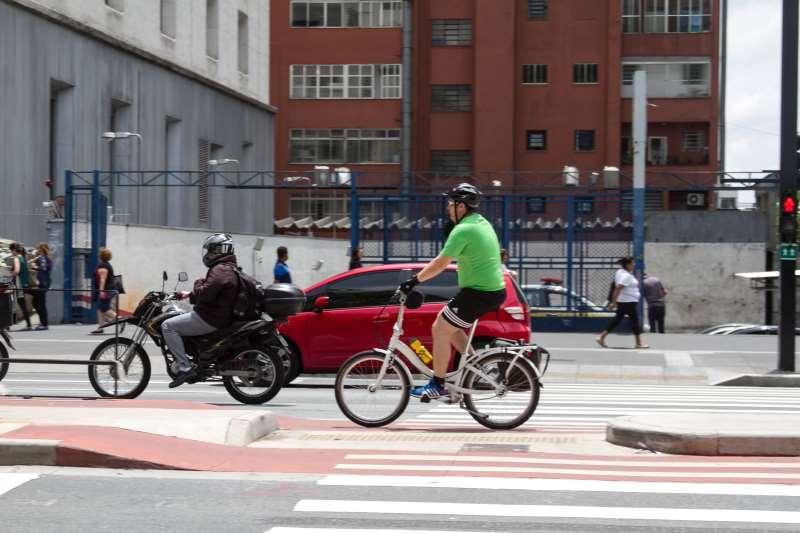 Em São Paulo, usuários optam por meios com baixas emissões de CO2