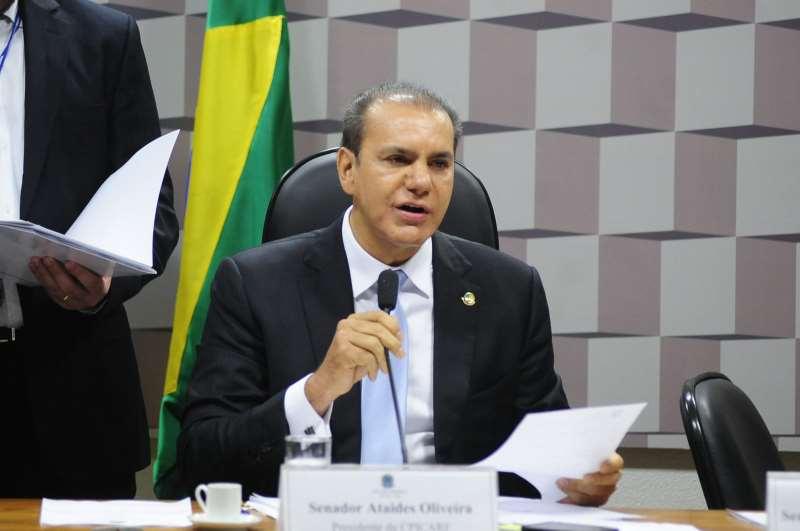 Senador Ataídes Oliveira (PSDB-TO) é o autor do requerimento