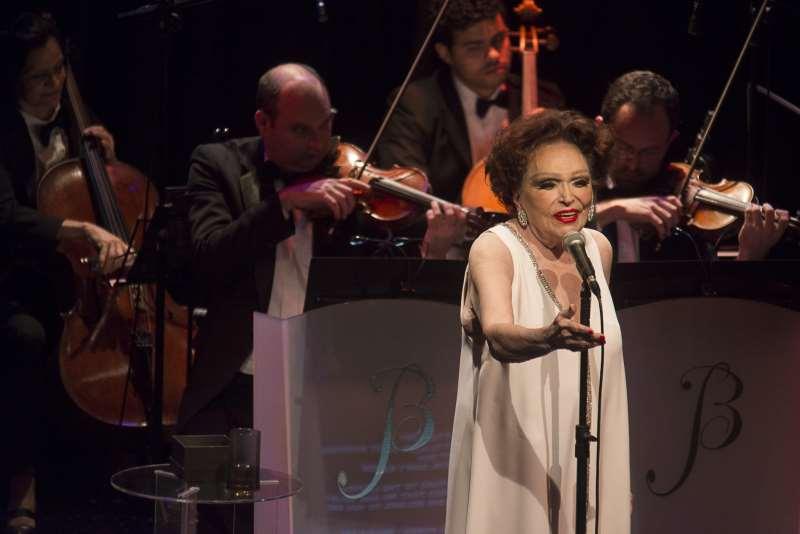 Bibi Ferreira celebra 76 anos de carreira em show na Capital