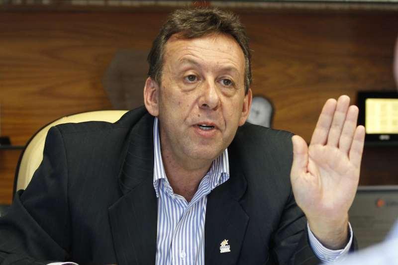 Presidente da Afocefe, De Martini Duarte questiona discurso da crise