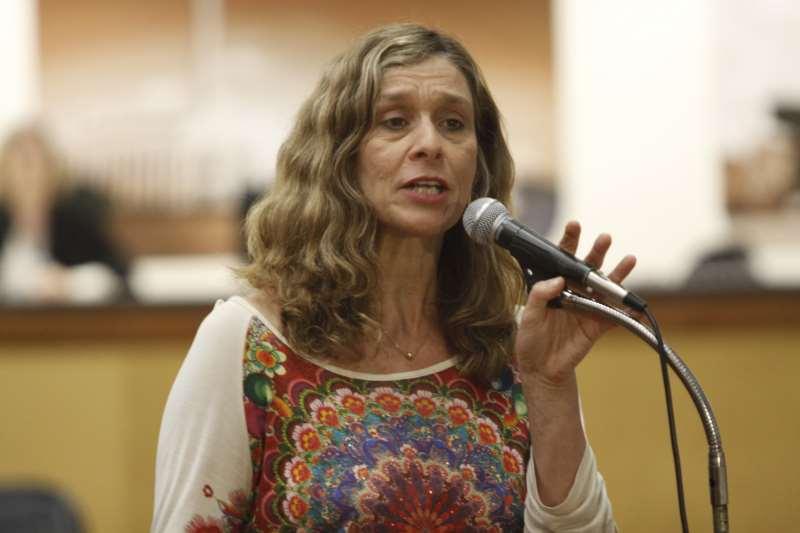 Para Sofia Cavedon (PT), ações de incentivo à equidade devem fazer parte do cotidiano estudantil