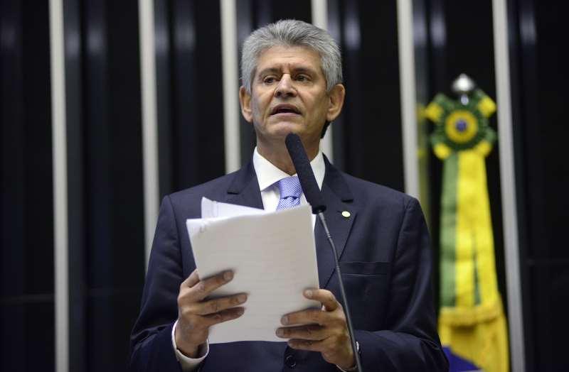 """Deputado federal gaúcho Afonso Motta (PDT) avalia mudança de DEM e MDB """"como um movimento estratégico"""""""