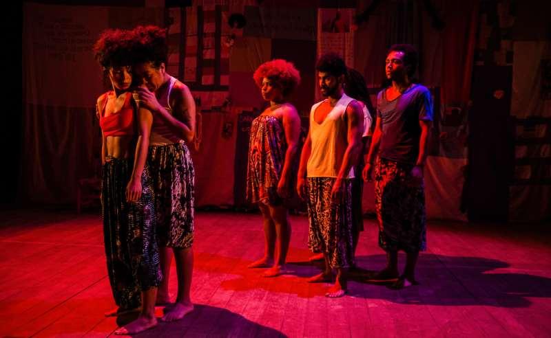 Pretagô completa 3 anos e apresenta o espetáculo Qual a diferença entre o charme e o funk?