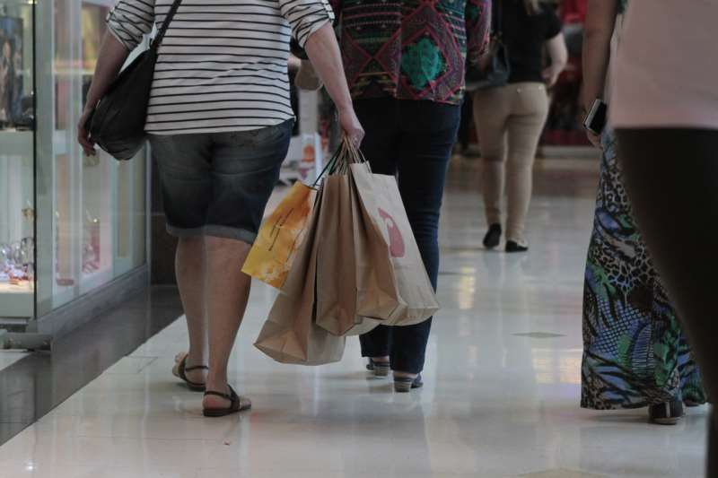 Último domingo de compras antes do Natal de 2015.  na foto: movimento no shopping Praia de Belas