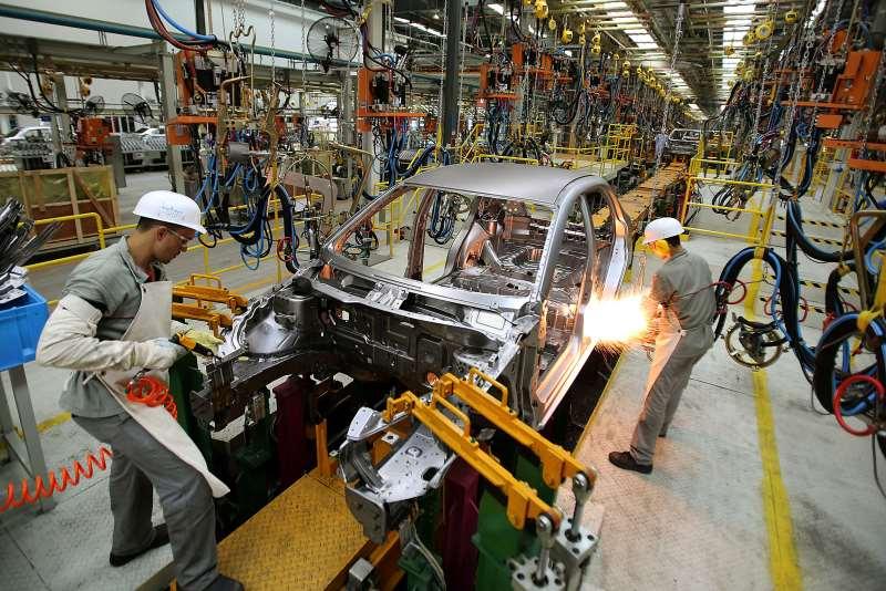 Companhias automobilísticas fabricaram 174,2 mil unidades durante o mês passado