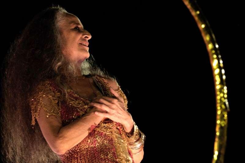 Cantora lança CD e DVD (detalhe) comemorativos aos 50 anos de carreira