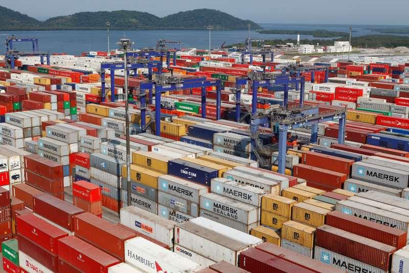 Exportadores recebem parte dos impostos indiretos cobrados na cadeia