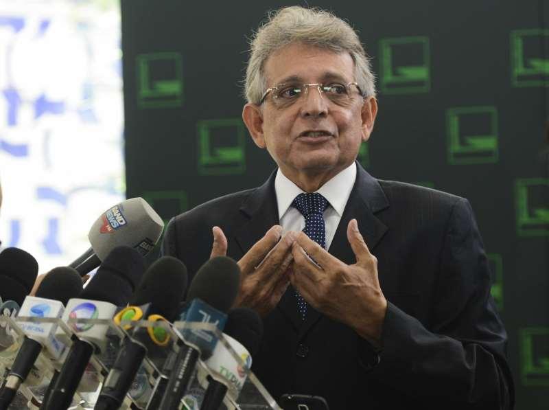 Brasília - Deputado Pauderney Avelino, líder do DEM na Câmara dos Deputados,fala à imprensa sobre as manifestações de domingo (13) no país (Antonio Cruz/Agência Brasil); - Assuntos: manifestações, Paudernei Avelino, governo