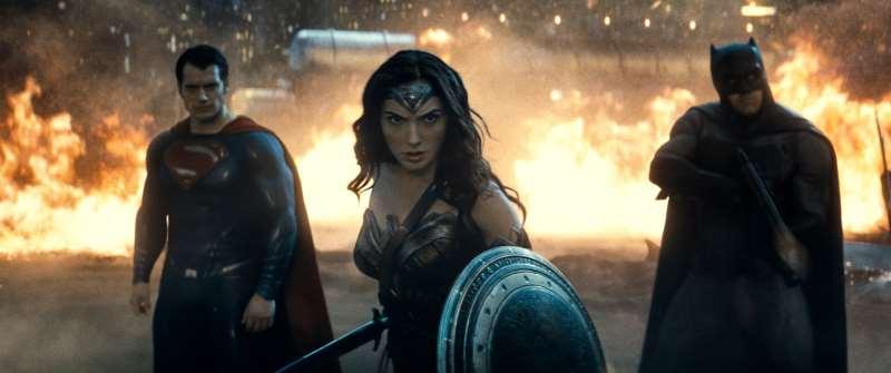 'Batman vs Superman: A origem da justiça' é um dos títulos de programação especial da Warner