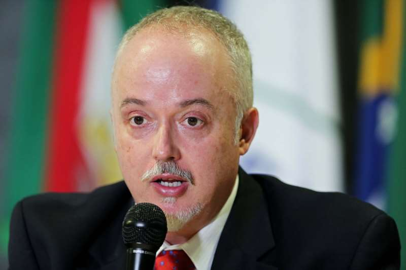 Carlos Fernando dos Santos Lima alerta para atual situação