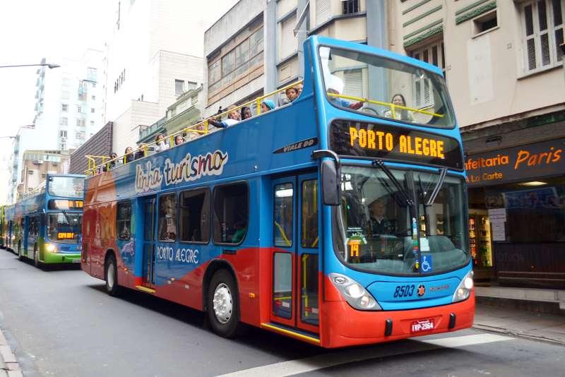 Ônibus vai percorrer roteiro ligado ao futebol, com visitas guiadas na Arena e no Beira-Rio